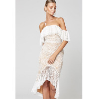 Women Summer Dress Beach Style White Color Lace Strapless Show Waist Line Elegant Romantic Style Dress Sexy Bodycon Vestido